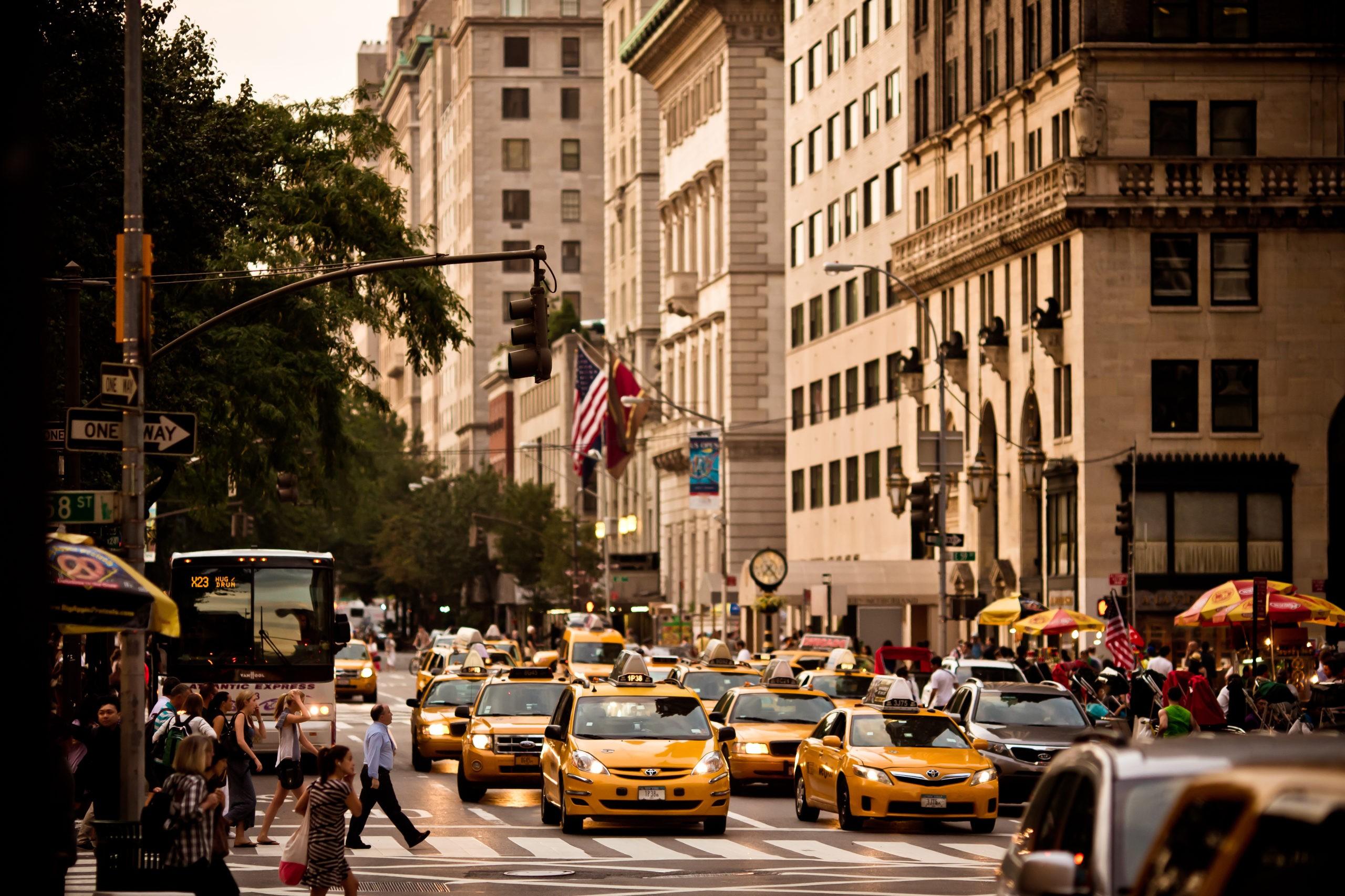 5th Avenue to centralna ulica Manhattanu, w której znajdują się najdroższe sklepy i apartamenty, licencja: shutterstock/By Andrey Bayda