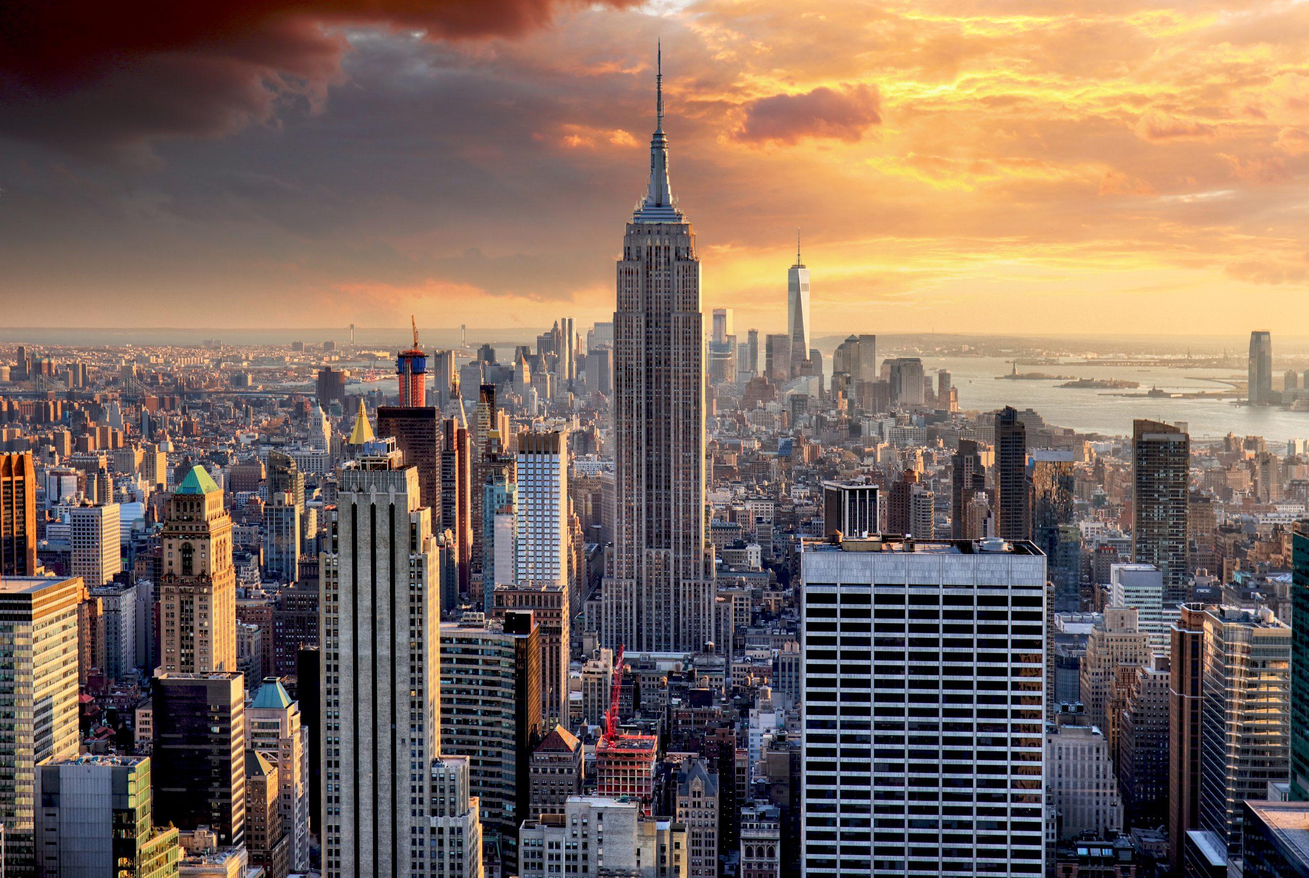 Nowy Jork o zachodzie słońca, USA.