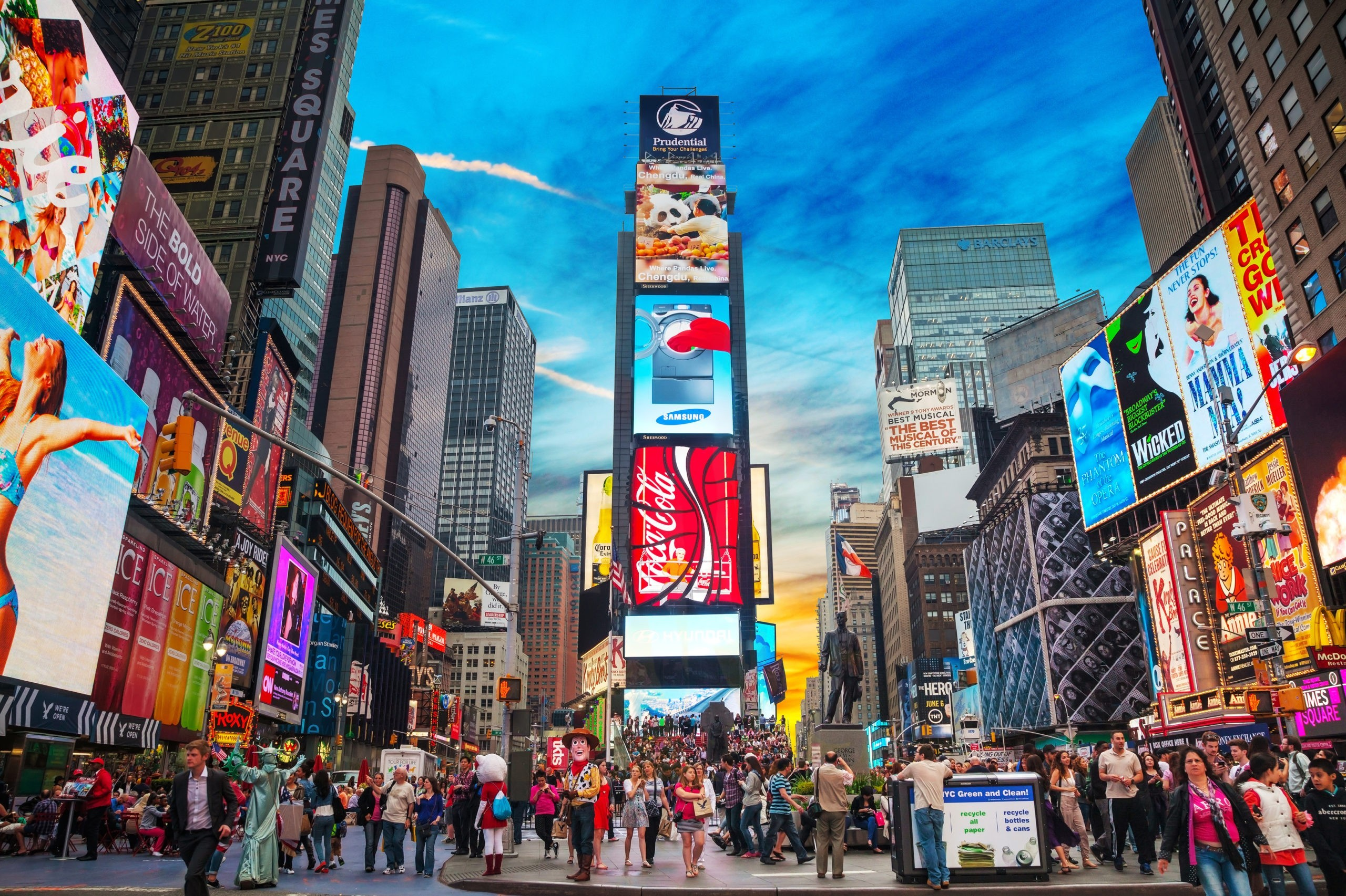 Times Square, licencja: shutterstock/By KarlosWest